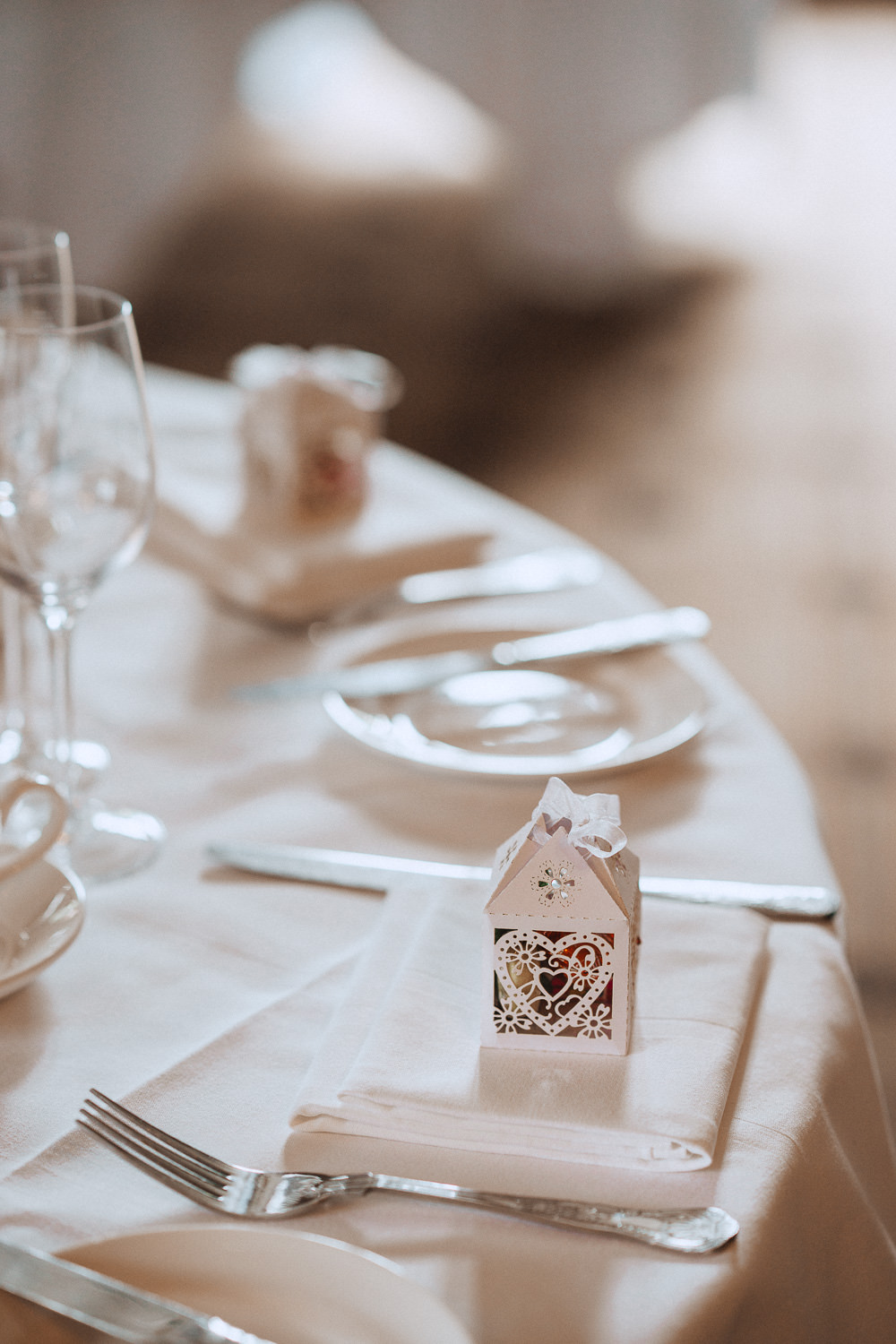 Table display at Inglewood Manor, Cheshire