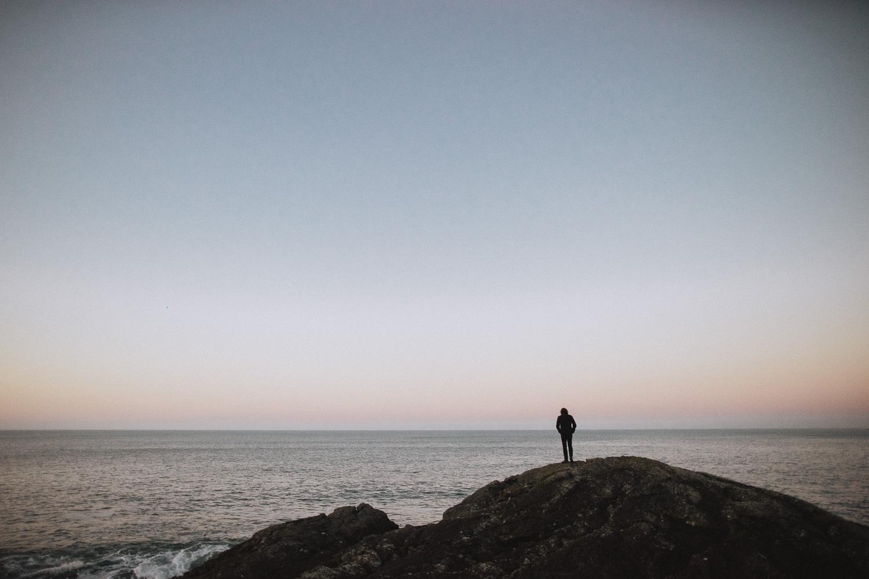 sunrise prewedding session at trearddur bay